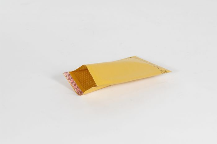"#000 - 4 x 8"" Kraft Self-Seal Bubble Mailer (500/Case)"