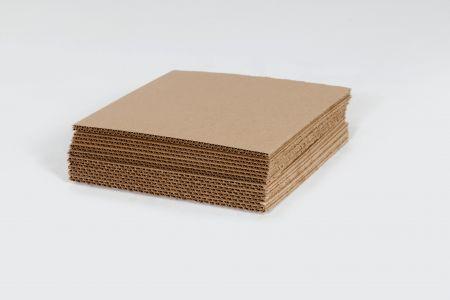 "11 7/8 x 11 7/8"" Corrugated Layer Pad"