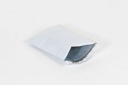 "#4 - 9 1/2 x 14 1/2"" Bubble Self-Seal Lined Poly Mailer (100/case)"